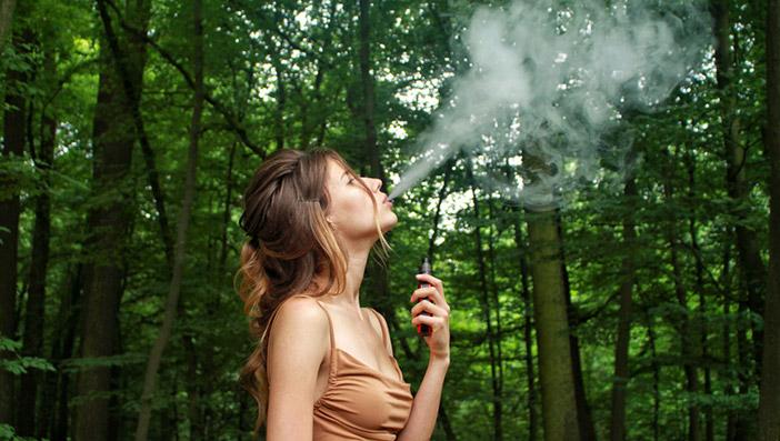 電子タバコは汎用性が高く様々なアクセサリーが利用できることも理由に